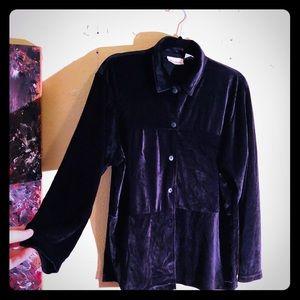 👛NEW👛Vintage Velvet patterned button down blouse